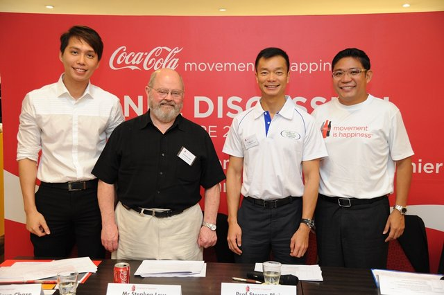 1-Movement is Happiness panelists (L-R Mr Stephen Lew, Prof Steve Blair, Dr Benedict Tan, Mr Archawat Chareonsilp)