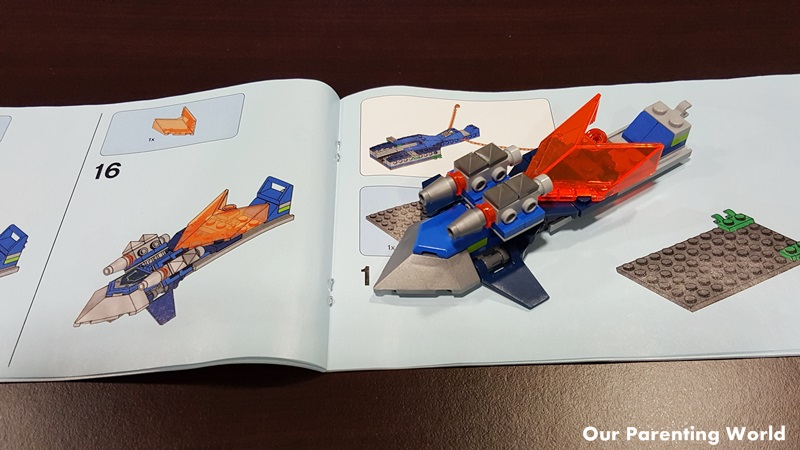 LEGO Nexo Knights Aero-Striker V2 Part 2