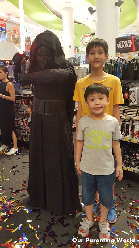 rogue-one-a-star-wars-story-at-vivocity-8