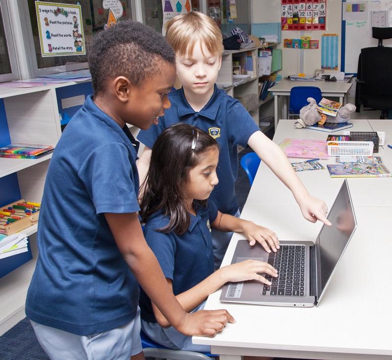 Computer Lesson Invictus Private School