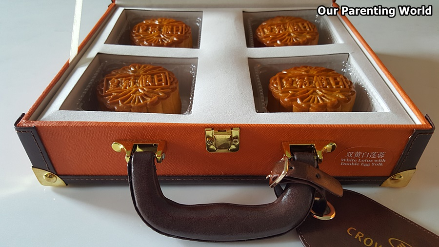 Crowne Plaza Changi Airport Mooncakes