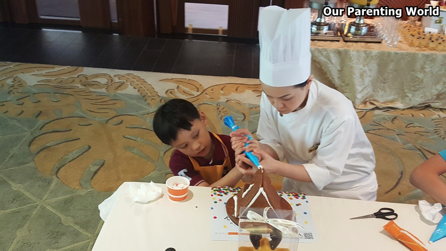 Shangri La Gingerbread House Workshop 7