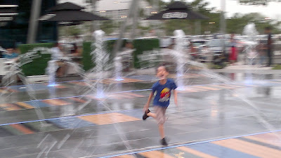 Boys trip out to play with water fountains at Marina Bay, Our Parenting World